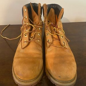 Classic Timberland boots worn once - wheat nubuck